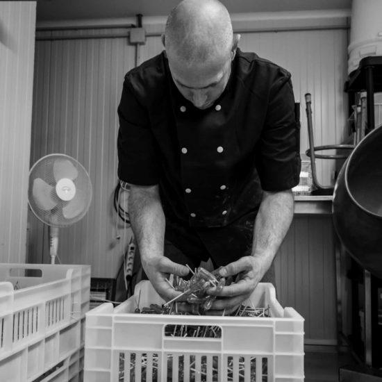 Christophe Zana Confiserie Alpine Fabrication Artisanale de Miel et de bonbons dans les Hautes Alpes Pont du fossé